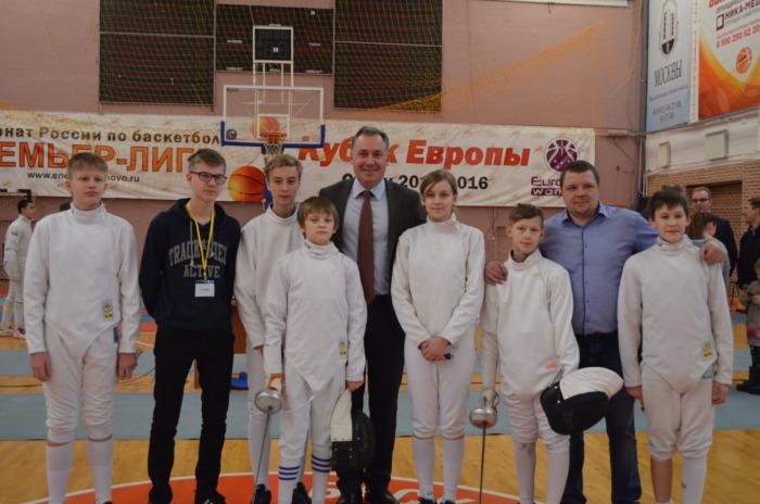 Спортсмены и Поздняков Станислав Алексеевич